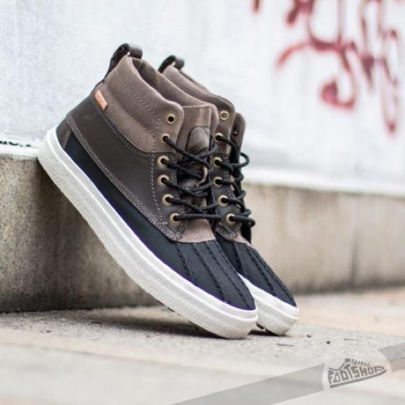 d16fac8d07 Vans Shoes - Vans SK8-Hi MTE women s vans